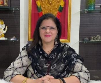 Aarti Dhiya Astrology